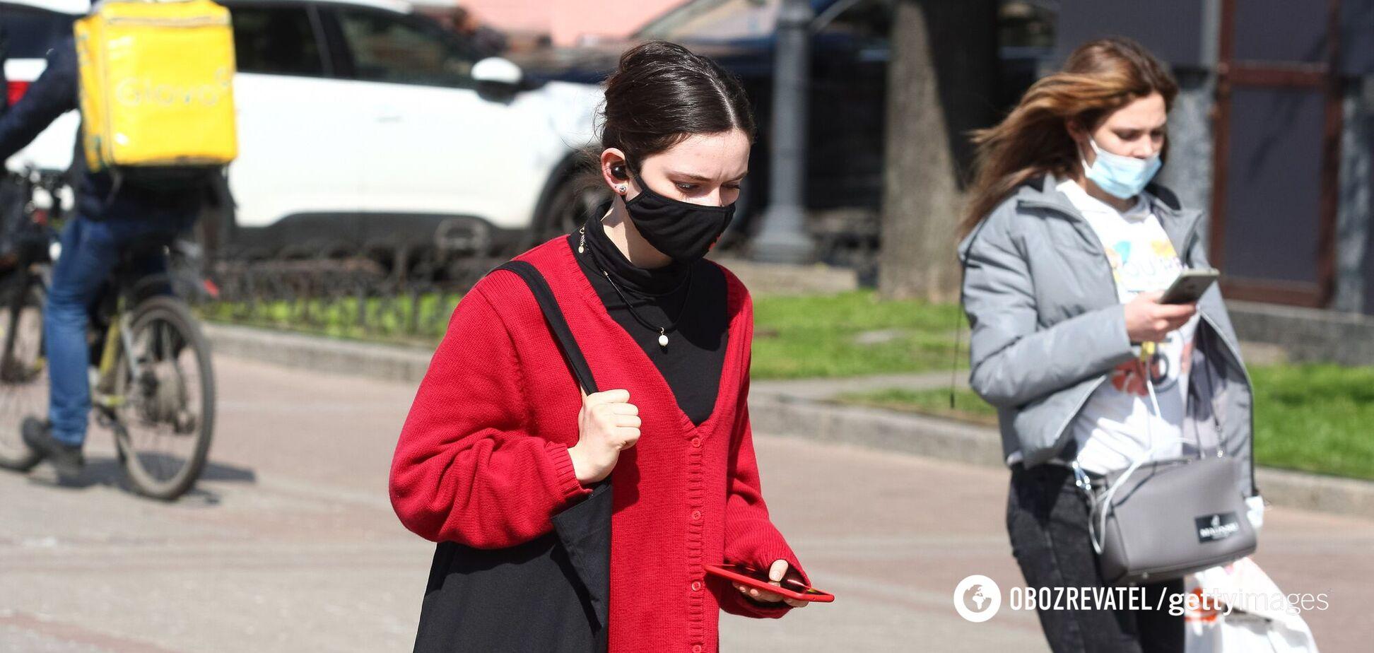 Україну чекає п'ятий та шостий пік коронавірусу, – епідеміолог