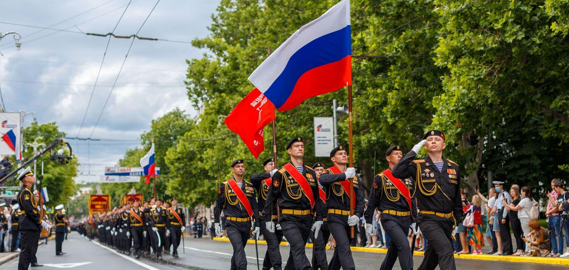 В окупованому Криму до 9 травня відрепетирували парад із танками і 'Градом'. Відео