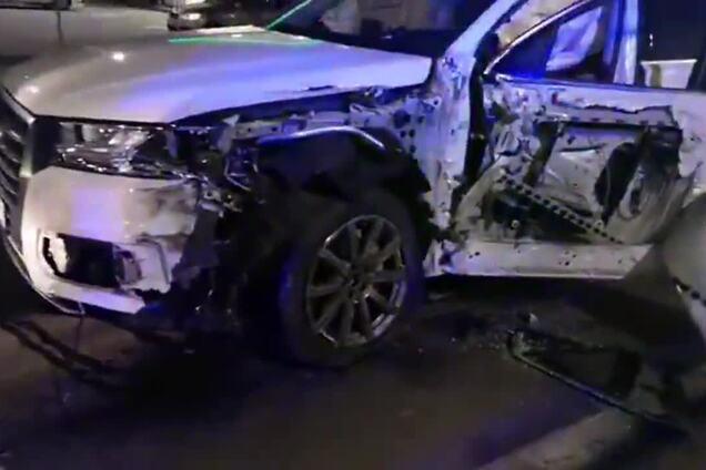 В Киеве пьяный водитель на Audi врезался в грузовик