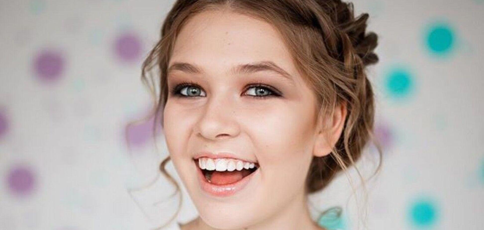 20-річна донька Брежнєвої показала сексуальні знімки в прозорій білизні