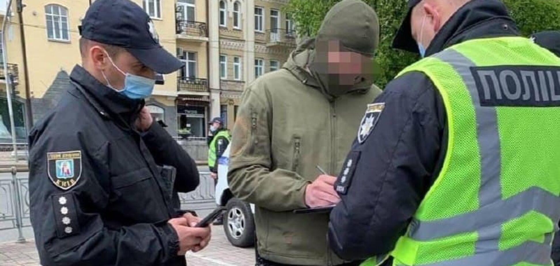 У Києві 16-річний юнак кидав ветеранам нацистське вітання: поліція склала протокол