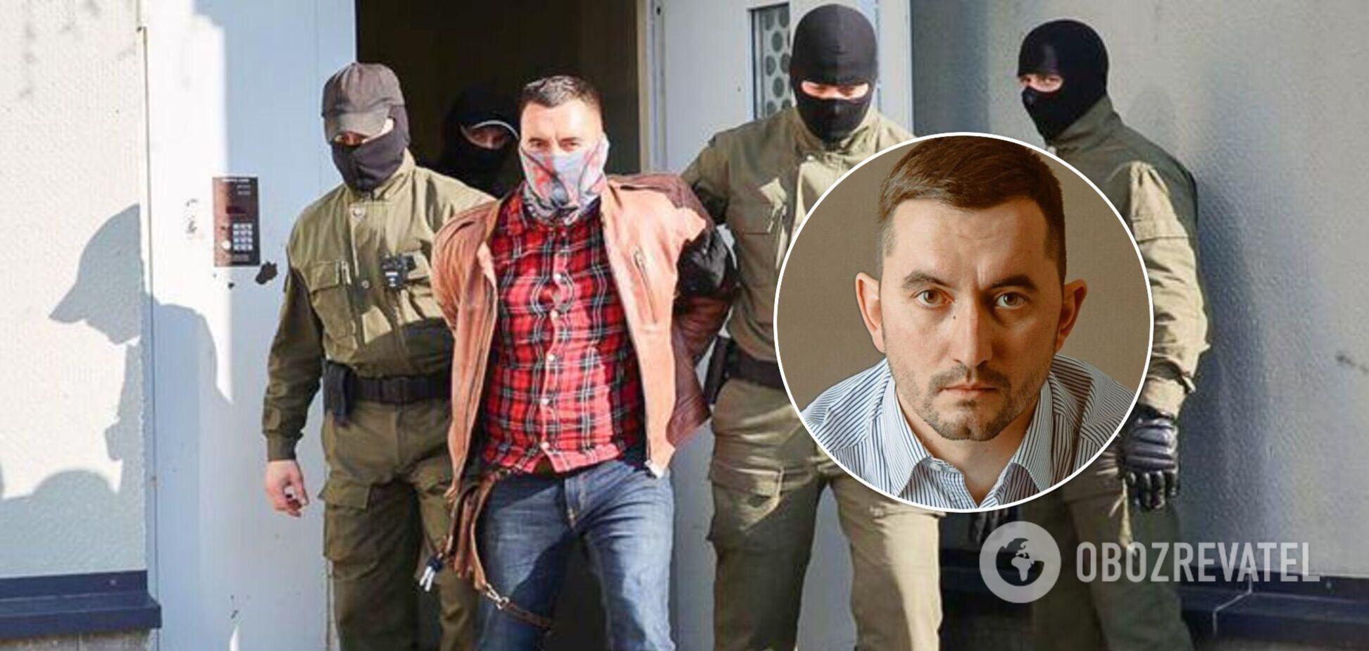 В Беларуси политзаключенный поранил себе горло во время суда. Видео