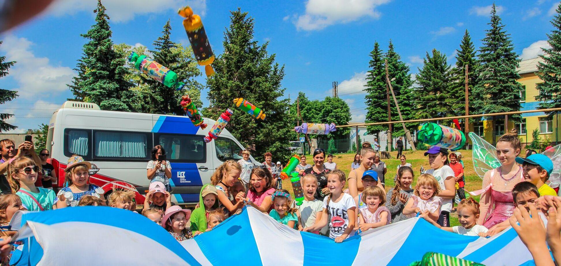 Фонд Бориса Колеснікова організував свята для дітей на Донеччині