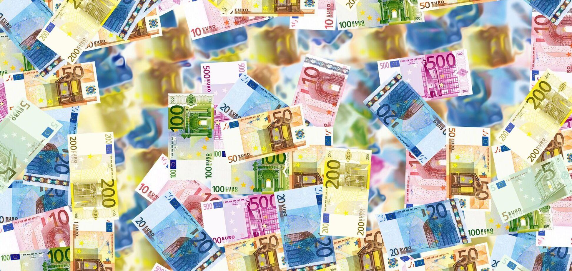 В ЄС вирішили ввести 'безумовний дохід': в одній з країн будуть роздавати по 1,2 тис. євро в місяць просто так