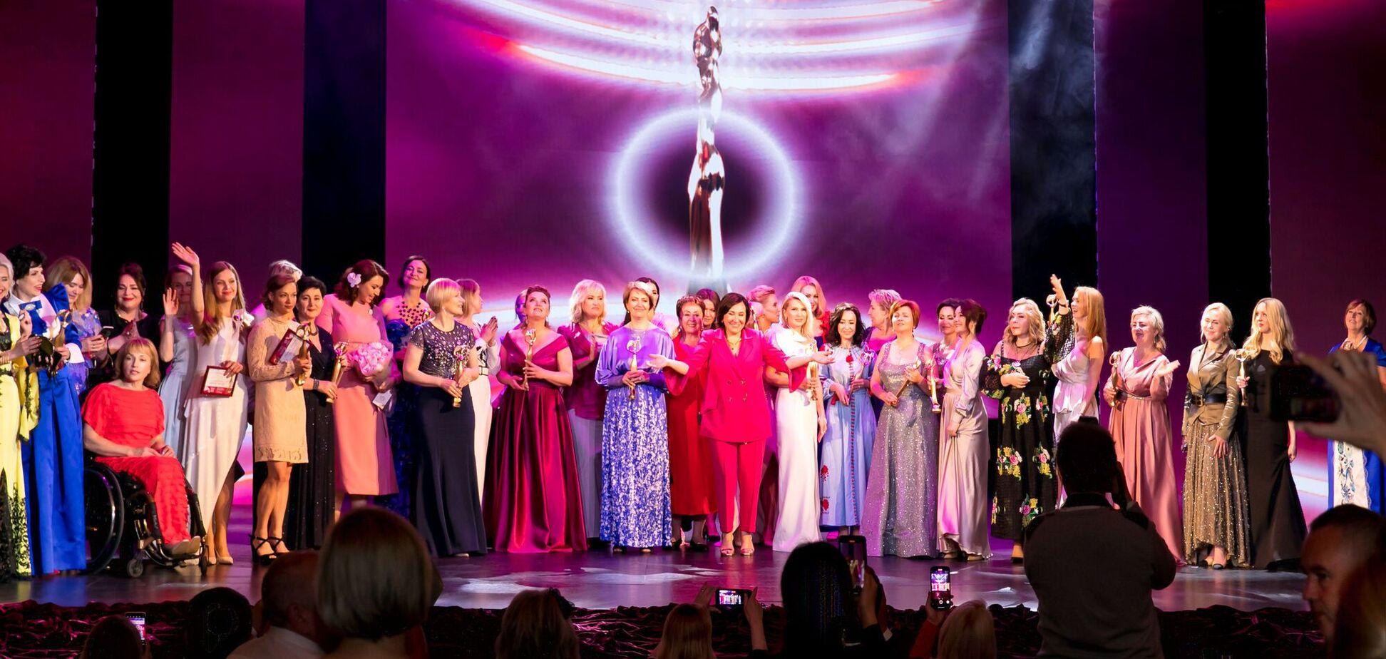 У Національному академічному театрі оперети відбулася ХIV Церемонія нагородження Всеукраїнської премії 'Жінка III тисячоліття'