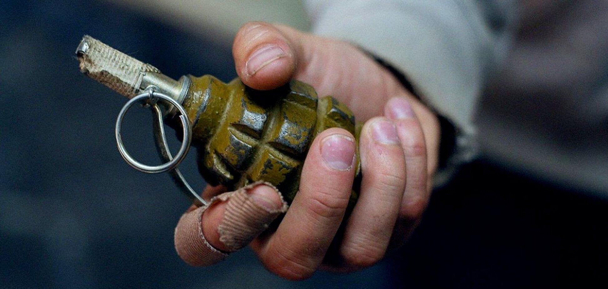 Під Запоріжжям чоловік підірвав себе гранатою: момент потрапив на відео. Фото 21+