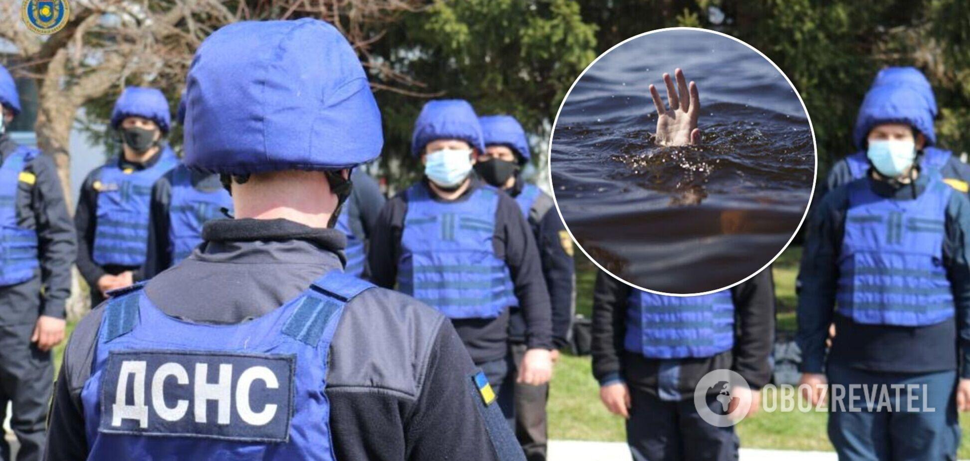 У Києві рятувальники дістали з озера тіло жінки