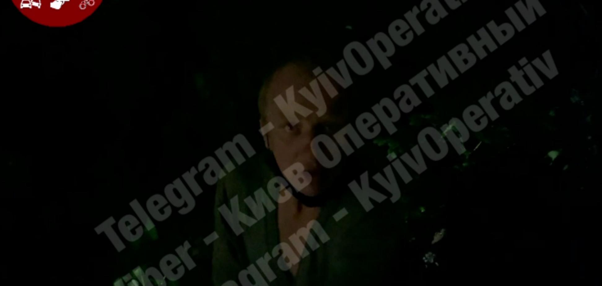 В Киеве мужчина сходил в лес по малой нужде и наткнулся на труп женщины