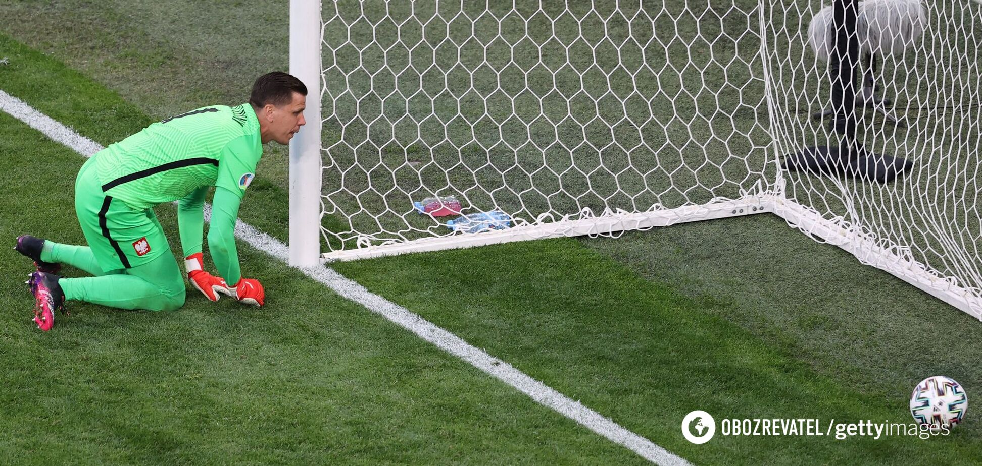 Голкіпер Польщі забив у власні ворота та увійшов до історії Євро. Відео моменту