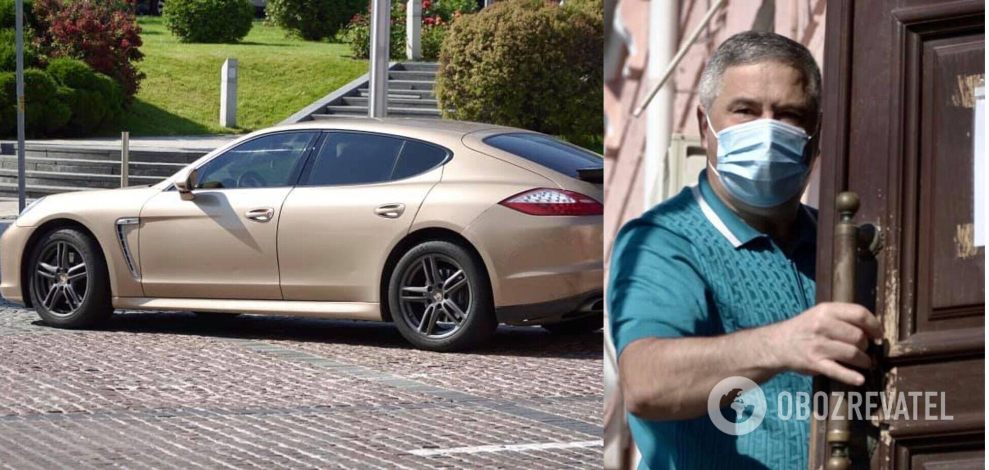 Заступник глави Окружного адмінсуду Києва приїхав на роботу на золотистому Porsche. Фото
