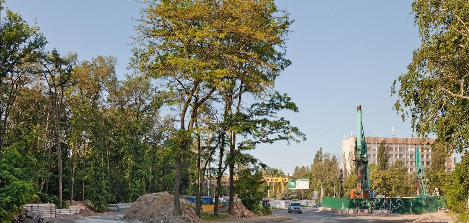 В Киеве началось строительство объездной дороги у будущей станции метро 'Мостицкая'. Фото