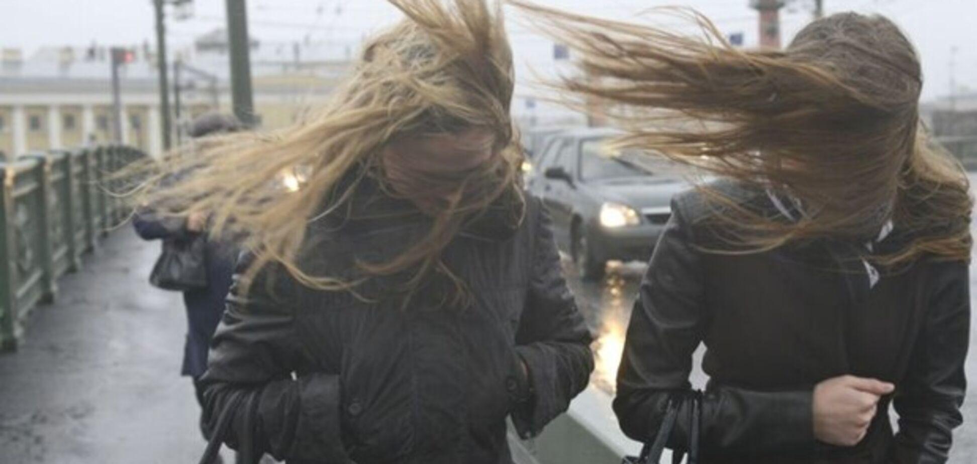 Вітер в Одесі зносив намети