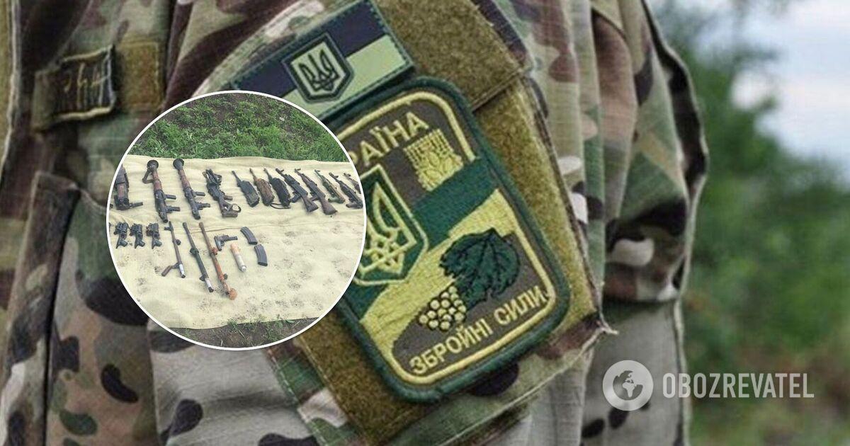 СБУ разоблачила военных, пытавшихся продать оружие из зоны ООС. Фото и