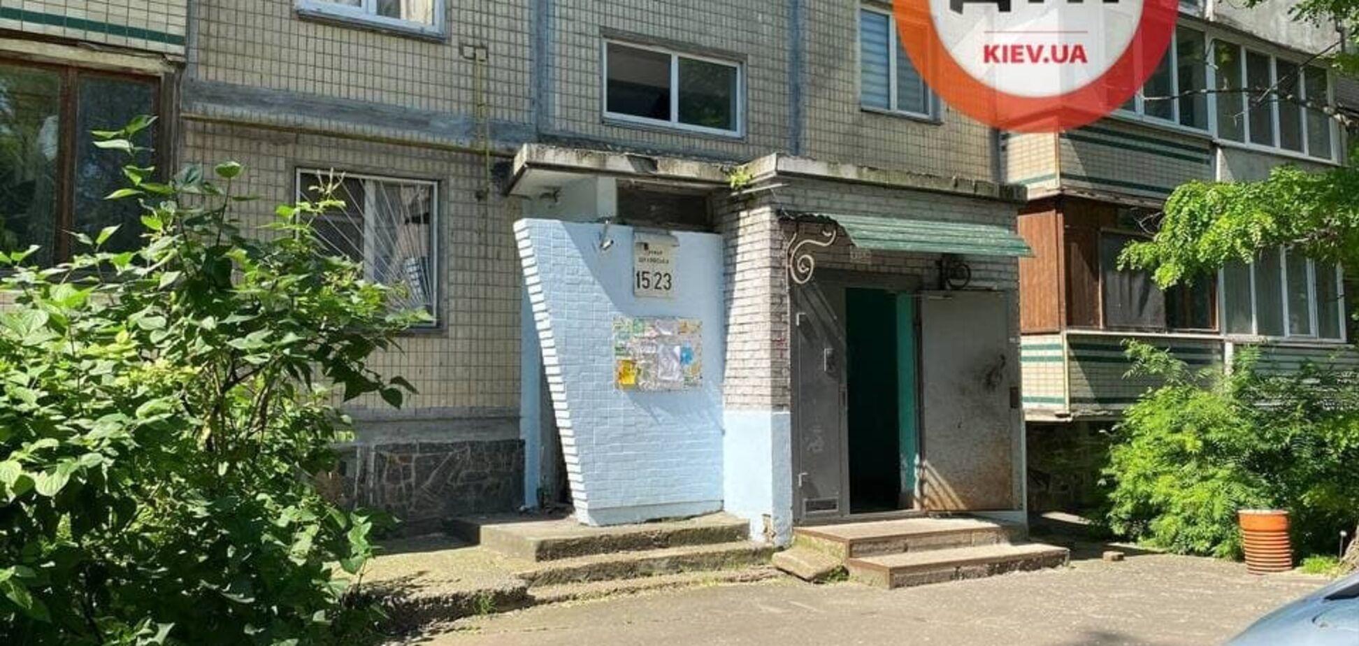 У Києві в сміттєзбірники знайшли тіло чоловіка