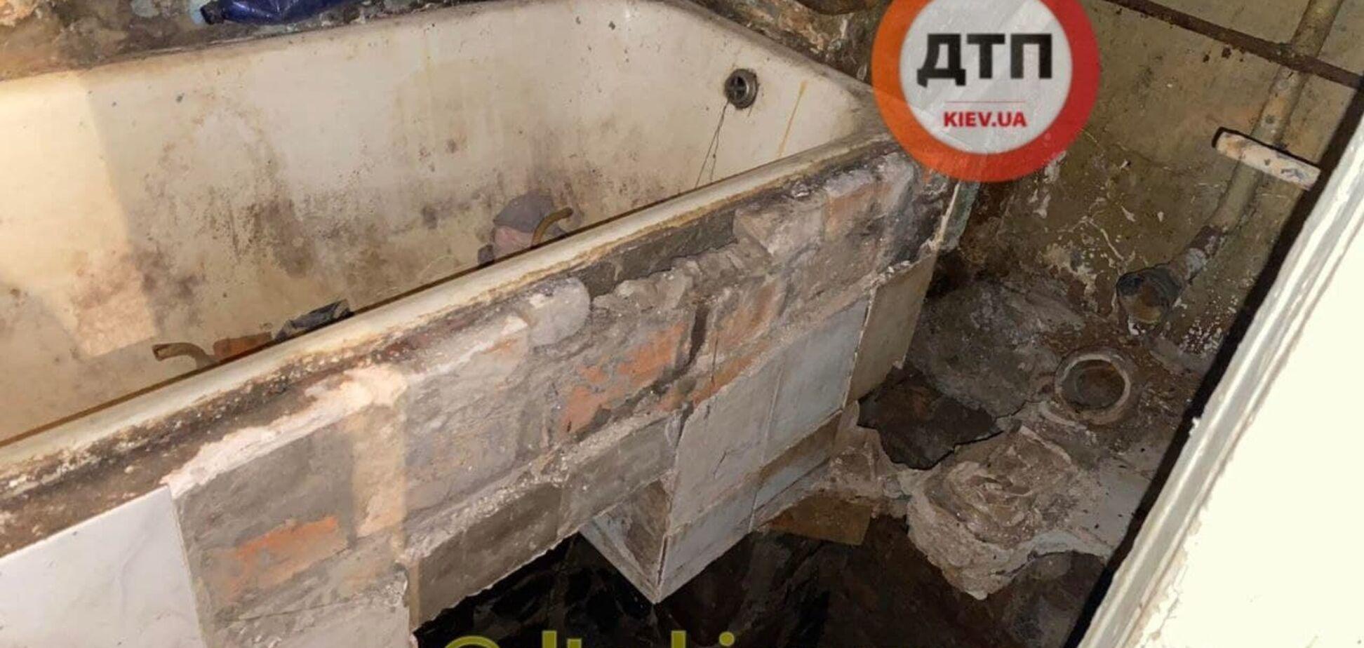 В центре Киева мужчина провалился вместе с полом в собственной квартире