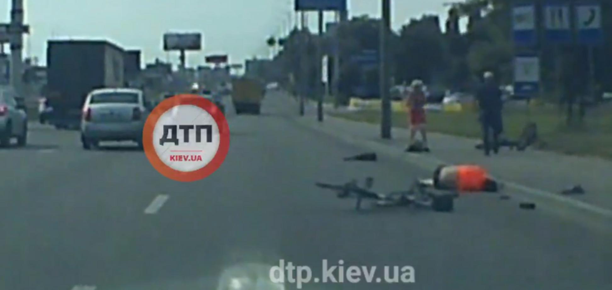 В Киеве на Окружной из-за пьяного прохожего погиб велосипедист