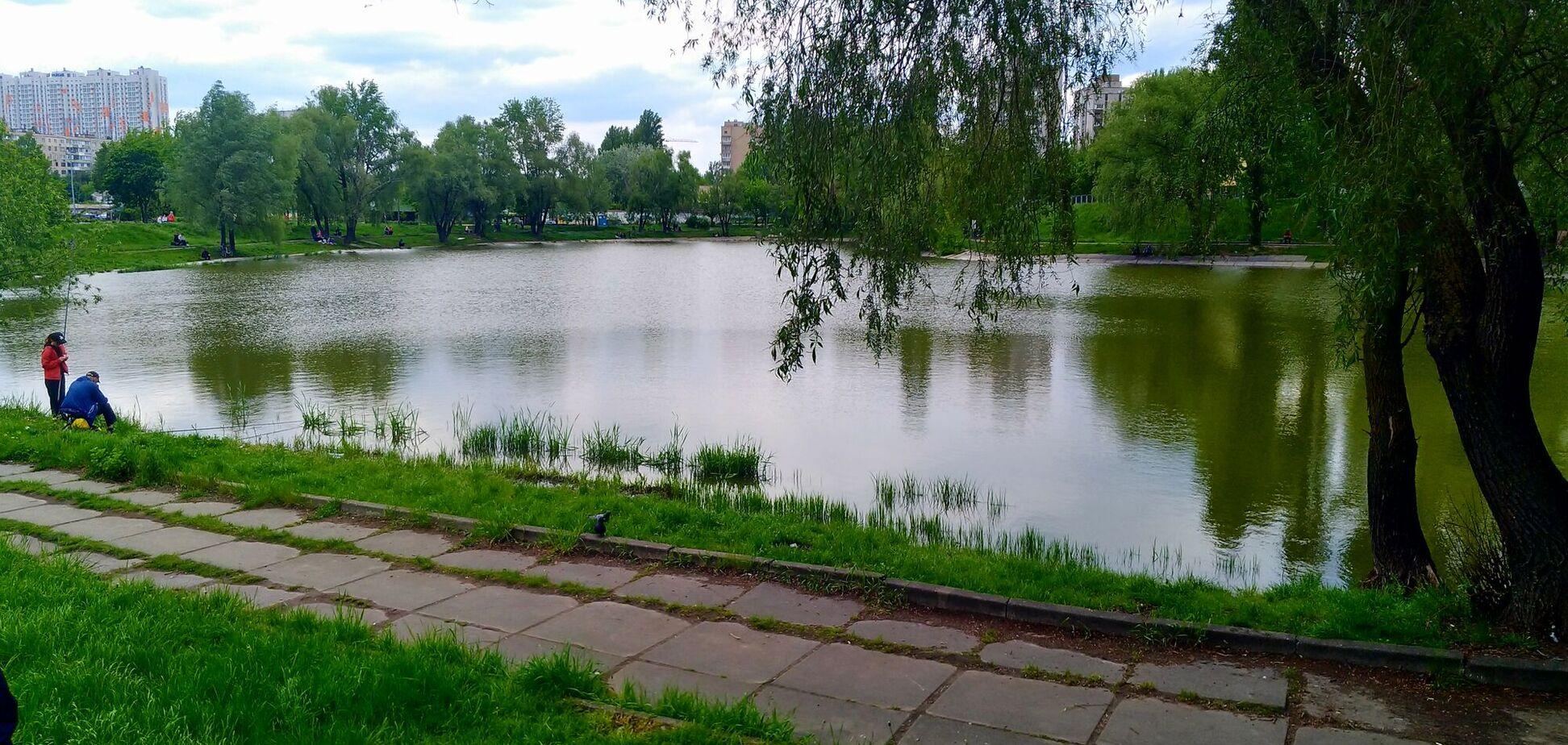 В Киеве возле одного из озер создадут комфортную зону для отдыха