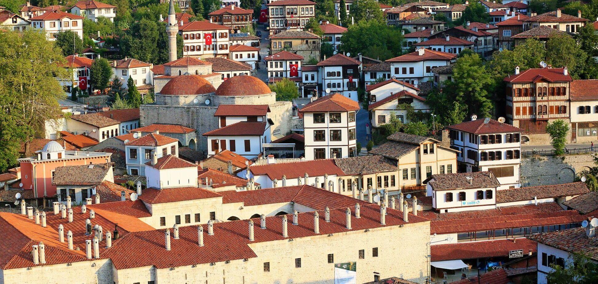 Украинцы скупают недвижимость за рубежом: назван список стран с лучшими ценами