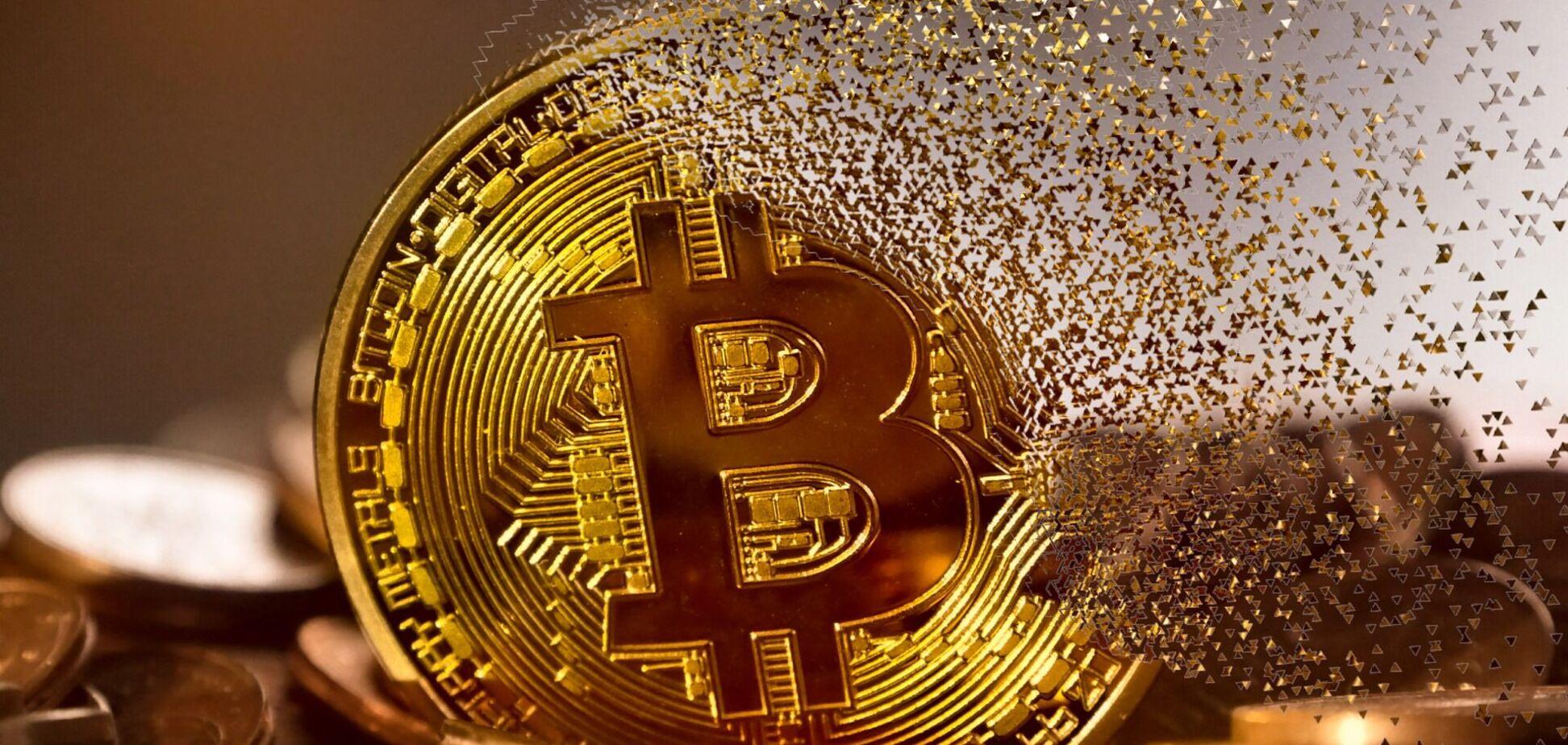 Курс биткоина вскоре может обвалиться до $25-27 тыс.