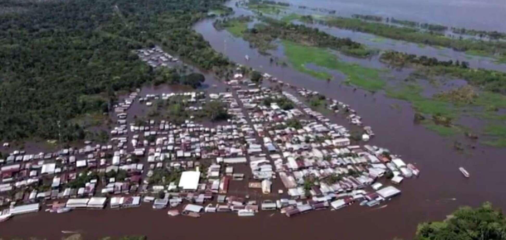 Вода у Амазонці піднялась до рекордного рівня та затопила місто Манаус