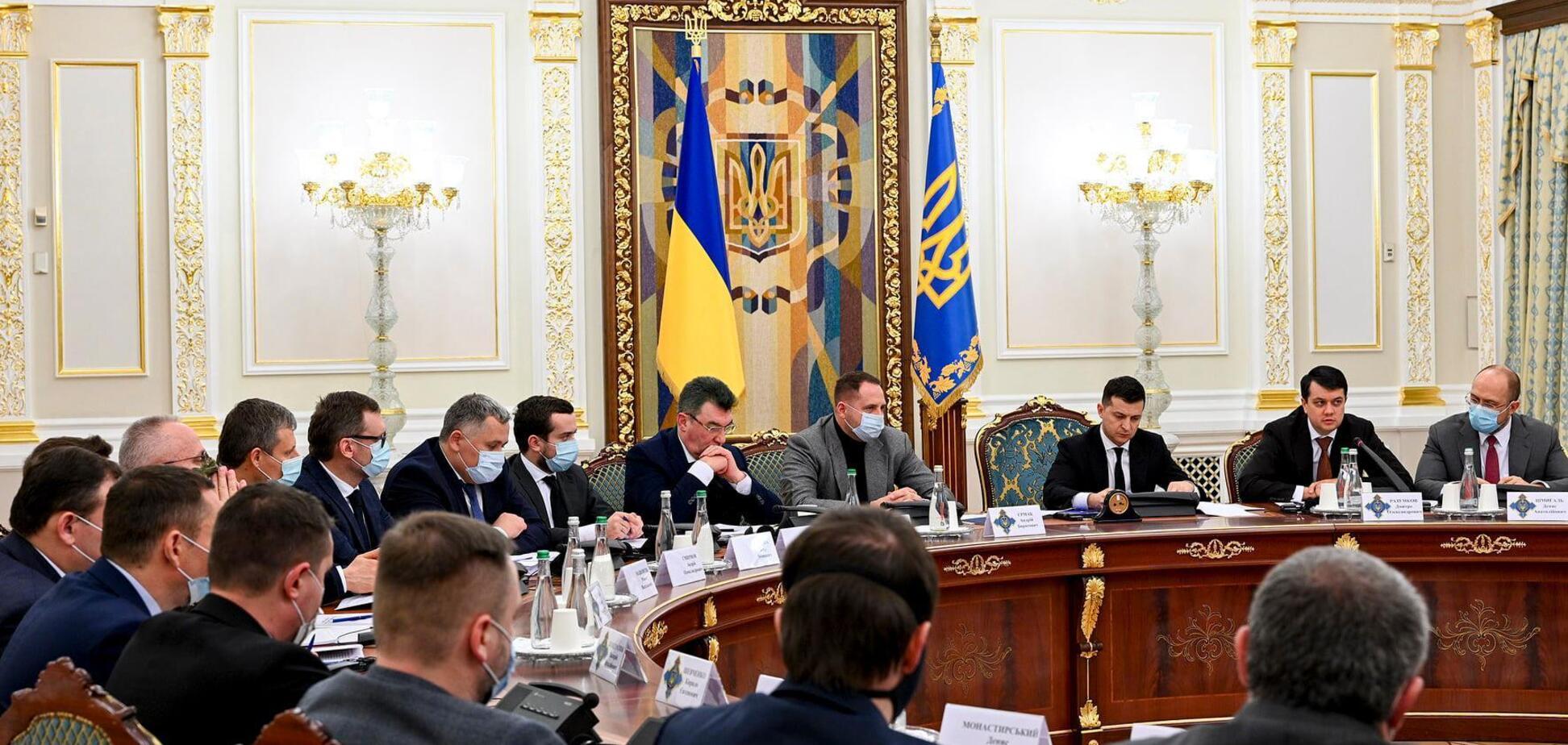 В Україні хочуть посилити контроль за карантином: що вирішили на терміновому засіданні РНБО через штам Дельта
