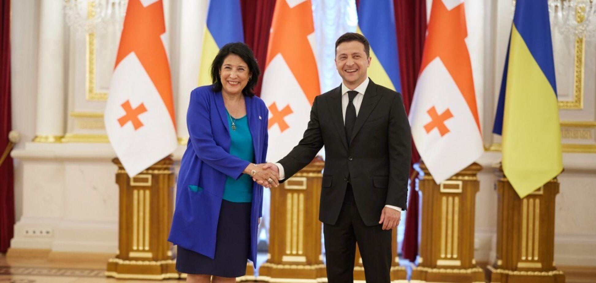 Зеленский и президент Грузии обсудили противодействие России и признание COVID-паспортов