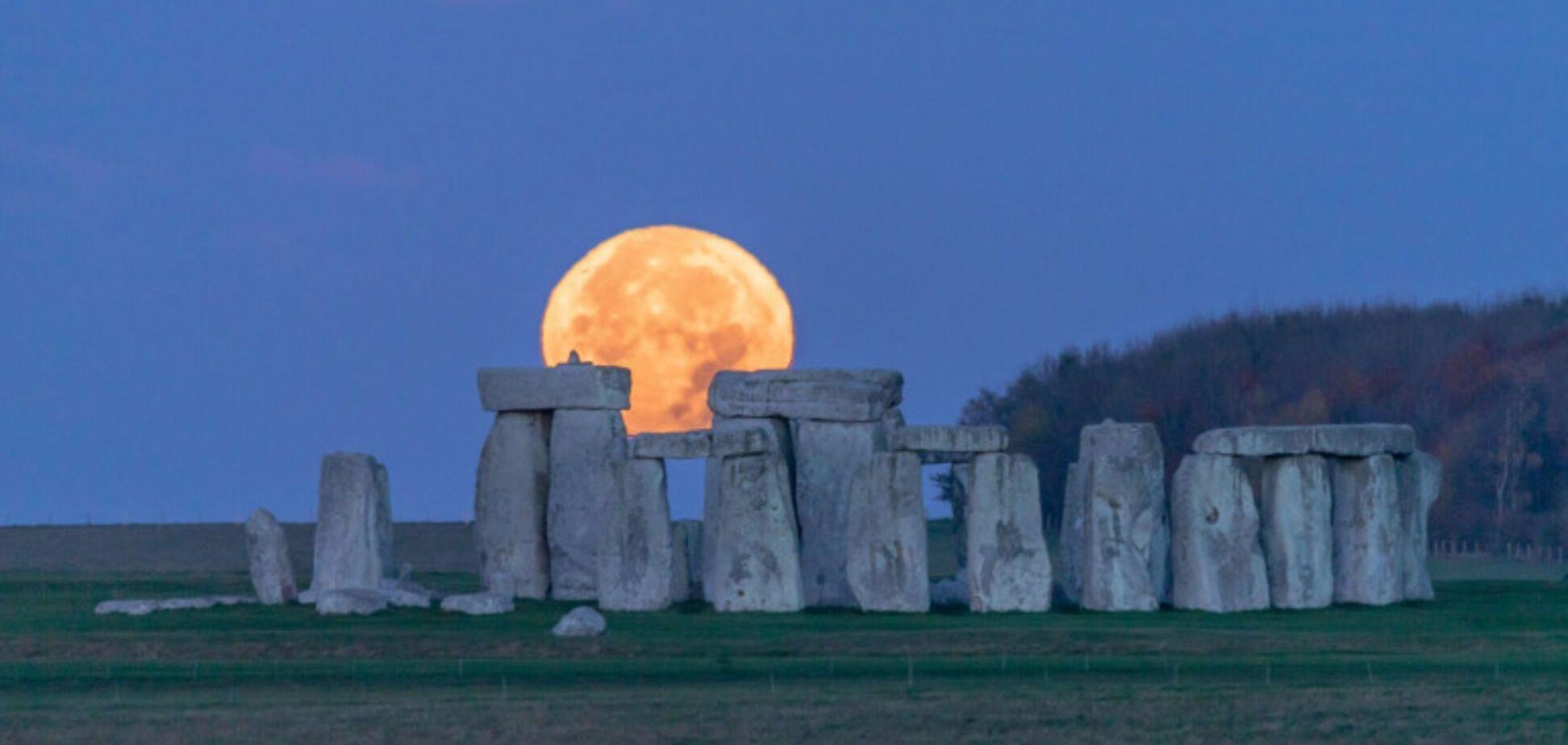 Розовая Луна будет последним суперлунием 2021 года
