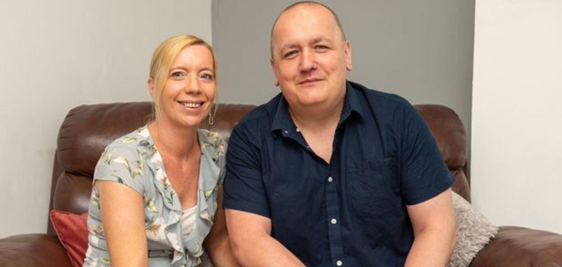 В Великобритании ревнивая жена устроила мужу погром из-за ошибочной открытки