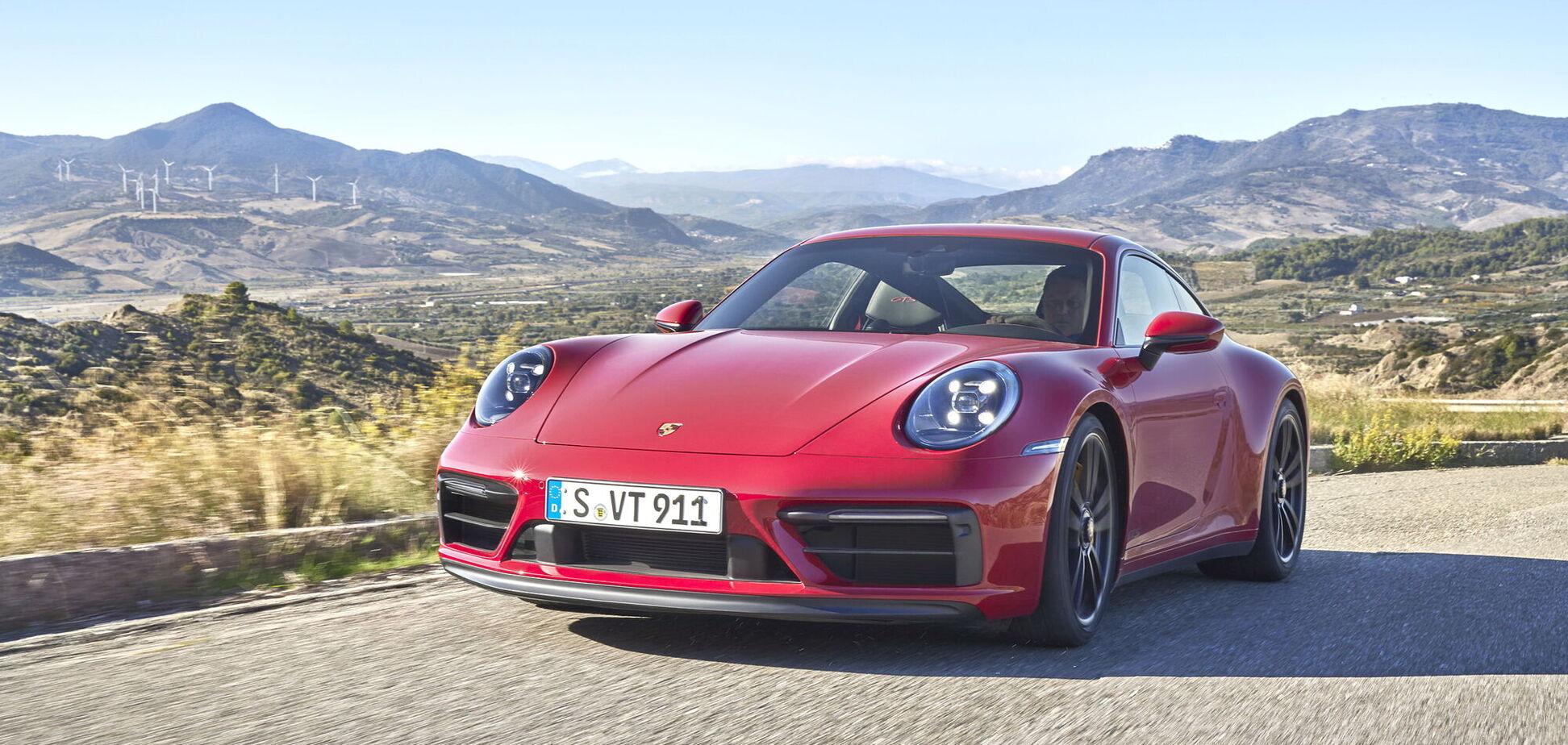 Легендарный Porsche 911 обзавелся новыми версиями GTS