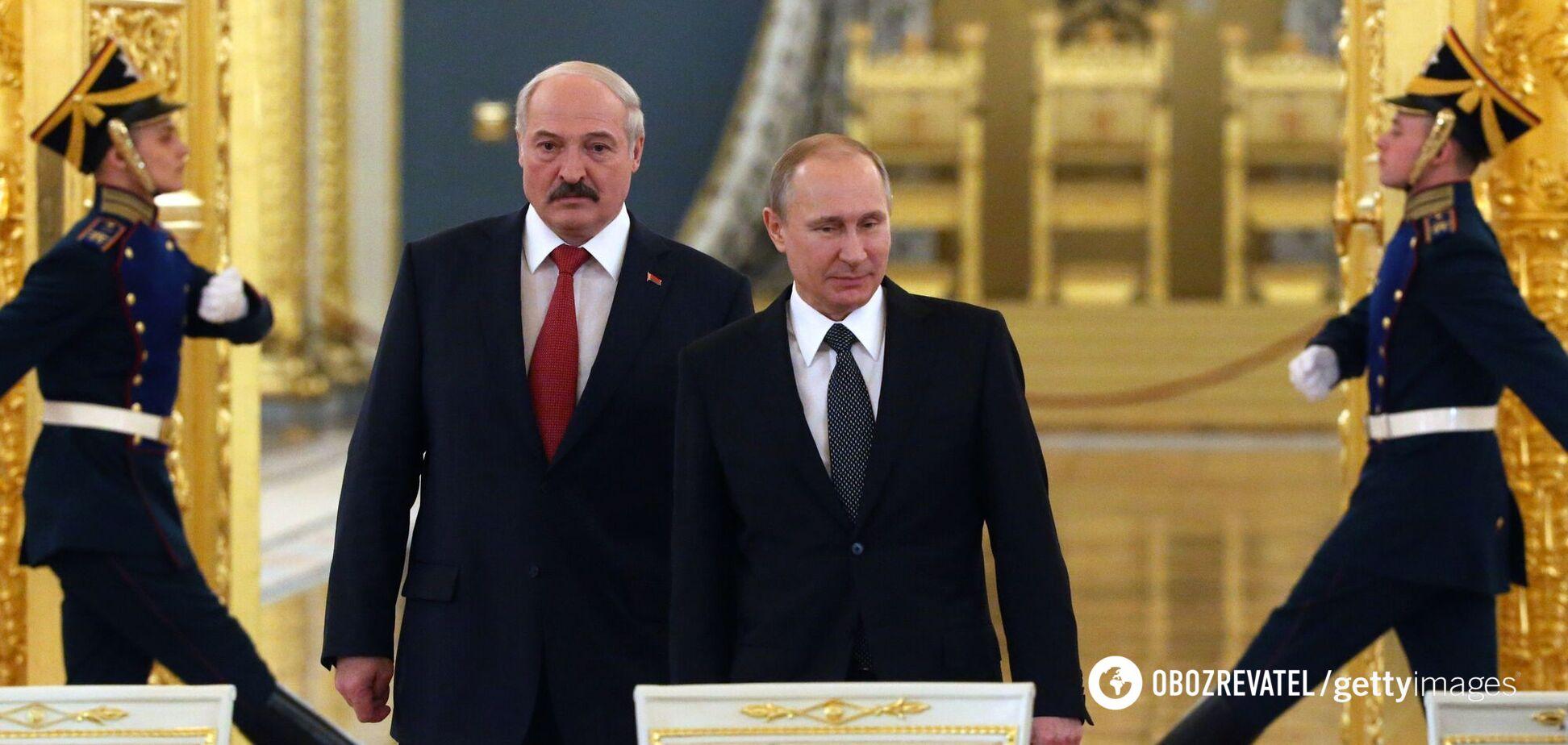 Лукашенко на коленях поползет в Кремль: оппозиционер оценил новые санкции против режима