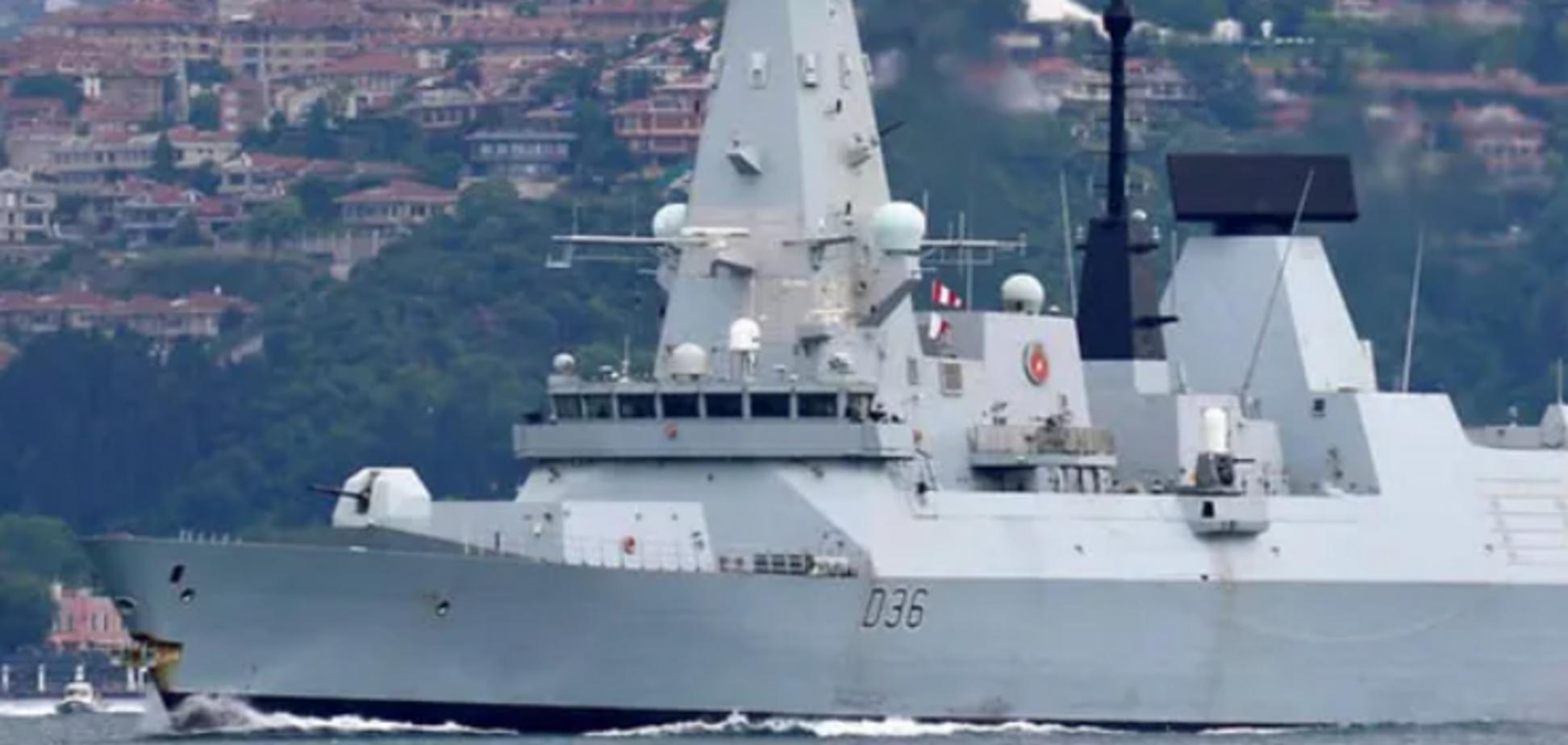 Кадры пролета авиации РФ над британским эсминцем Defender