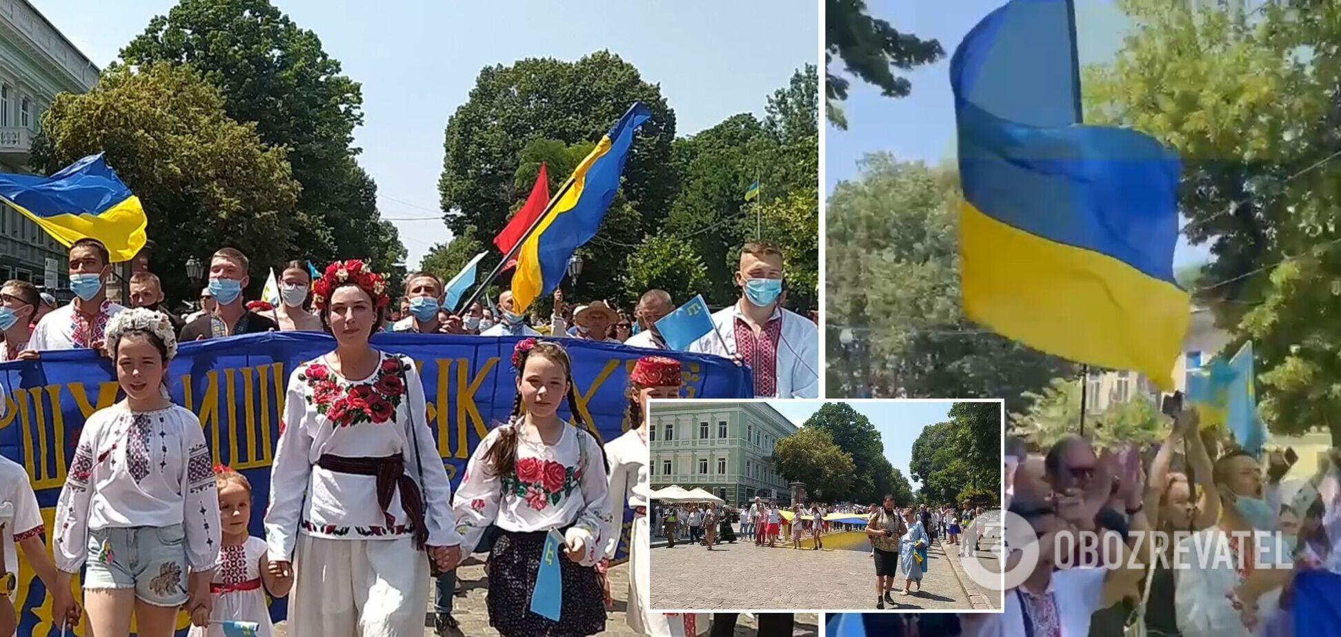 В Одессе состоялся мегамарш в вышиванках. Фото и видео
