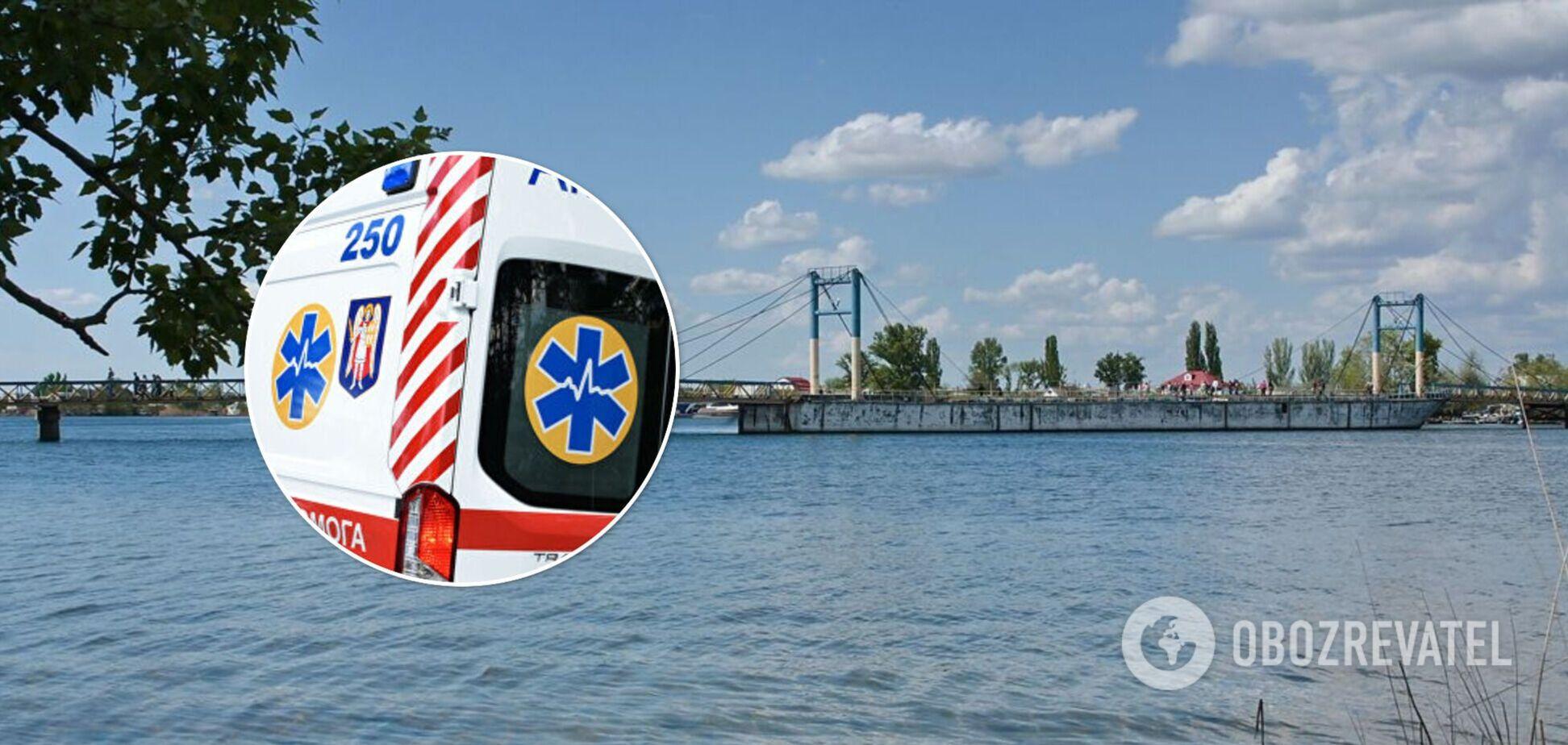 У київському Гідропарку після падіння з моста втопився чоловік. Фото