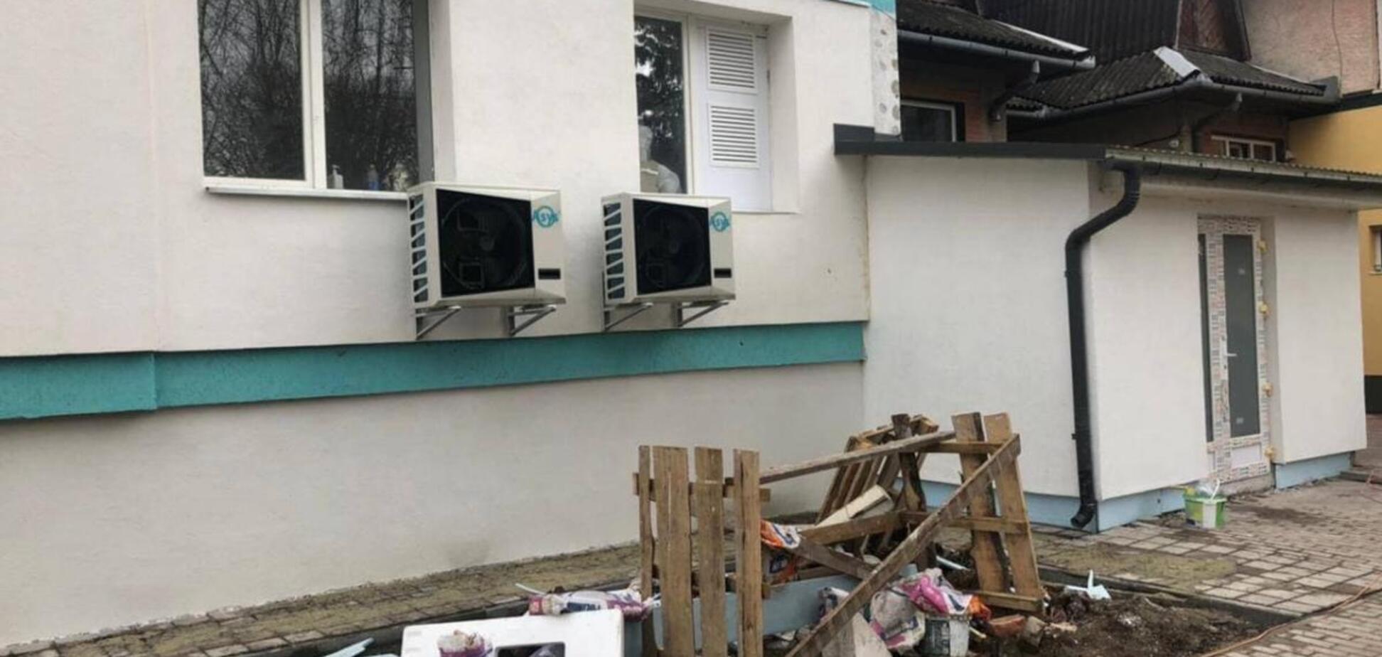 На Закарпатье вручили подозрения по делу о хищении денег для больниц: СМИ раскрыли фамилию топ-чиновника