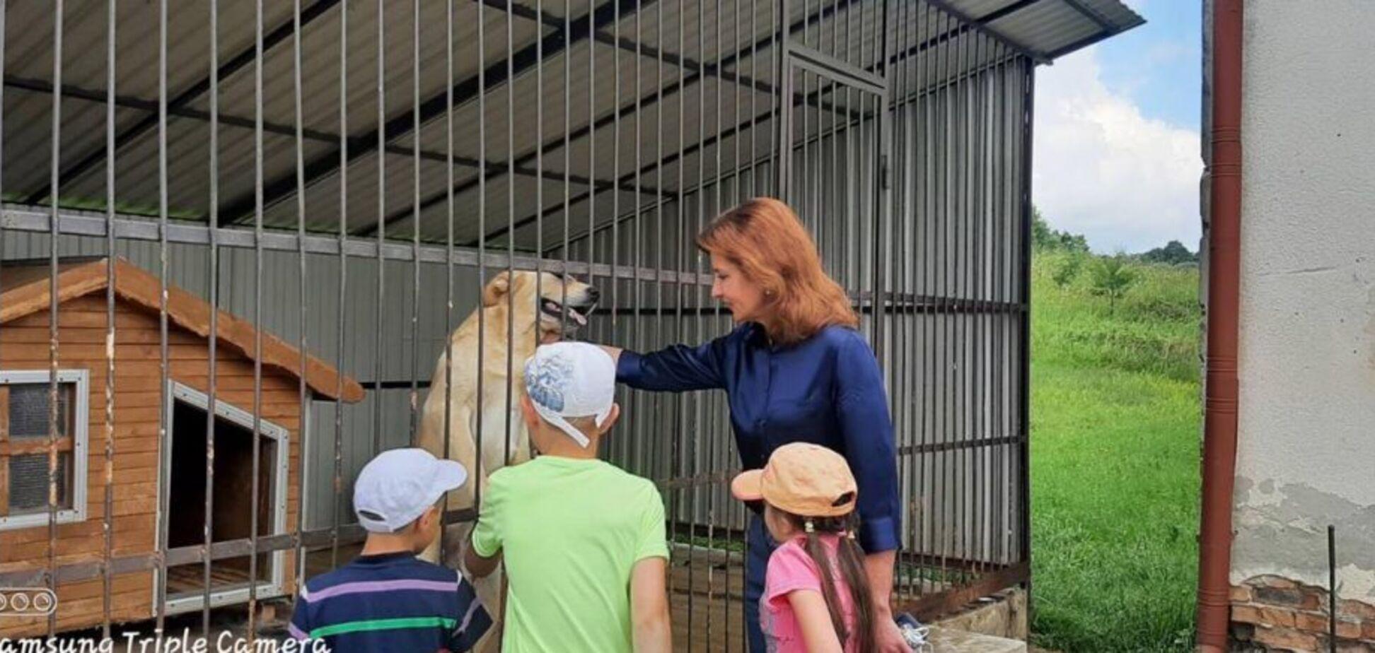 Марина Порошенко побывала в уникальном детском центре на Прикарпатье: от закрытия его спасла команда 'ЕС'