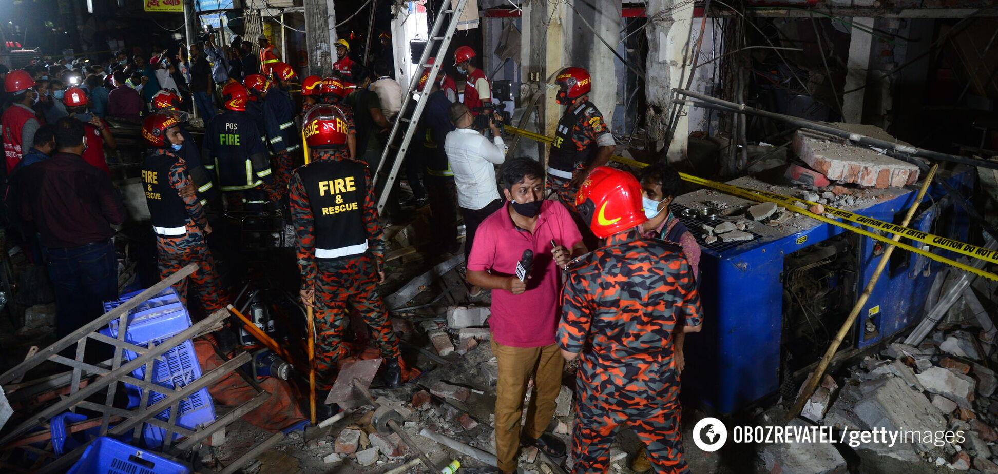 В столице Бангладеш семь человек убило взрывом, еще полсотни ранены
