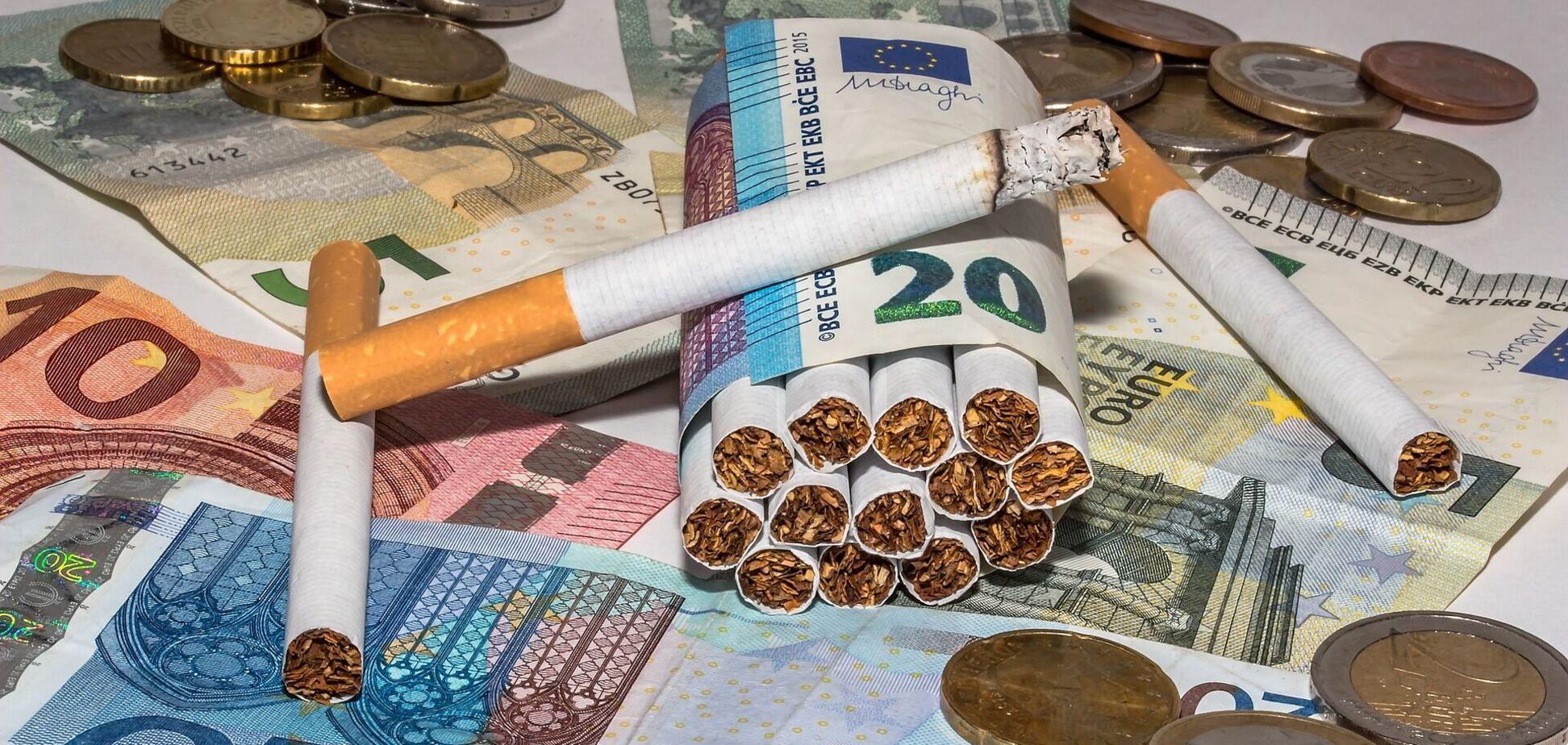 Фірми екс-прикордонника ввозили в Україну нелегальні цигарки: розкрито схему