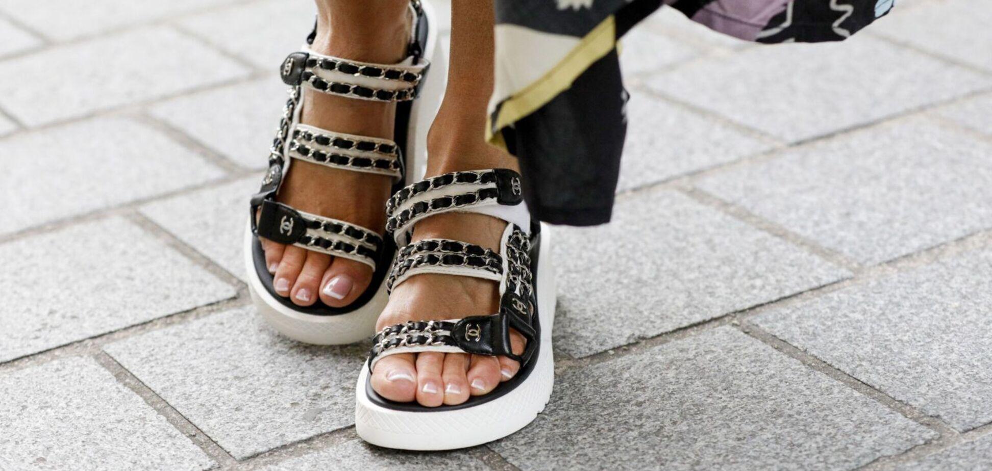 Модные сандалиина грубой подошве