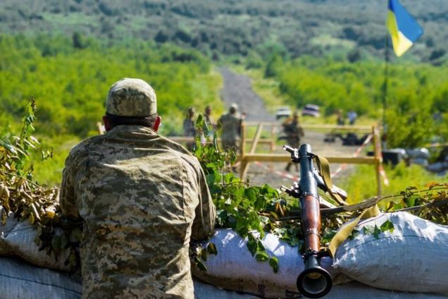 Оккупанты обстреляли ВСУ на Донбассе из гранатометов и пулеметов