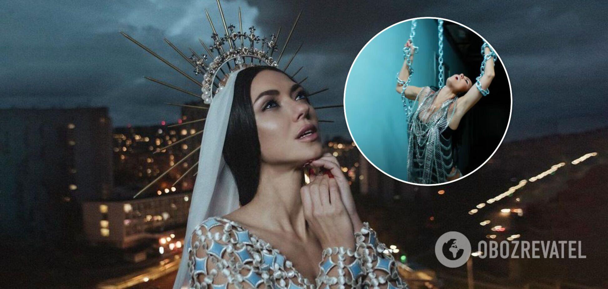 Віка з 'НеАнгелів' почала сольну кар'єру і випустила перший кліп з відвертими образами. Відео