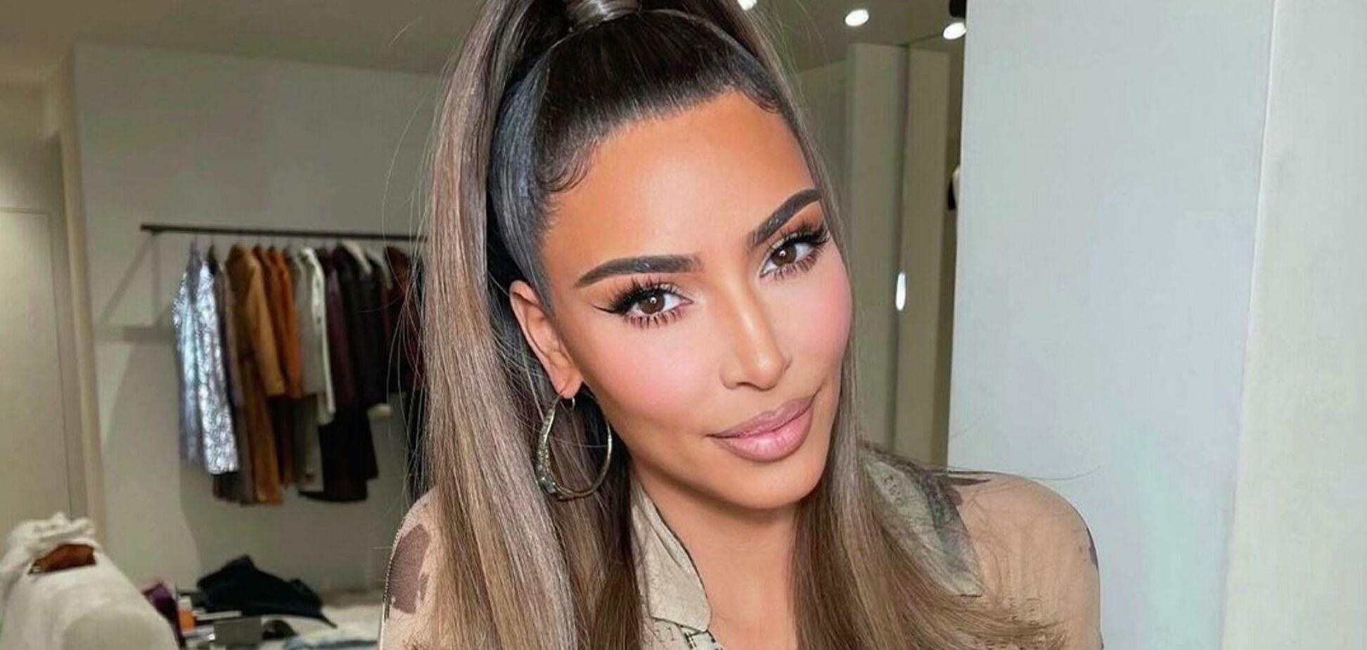В сети показали юное фото Ким Кардашьян до пластики