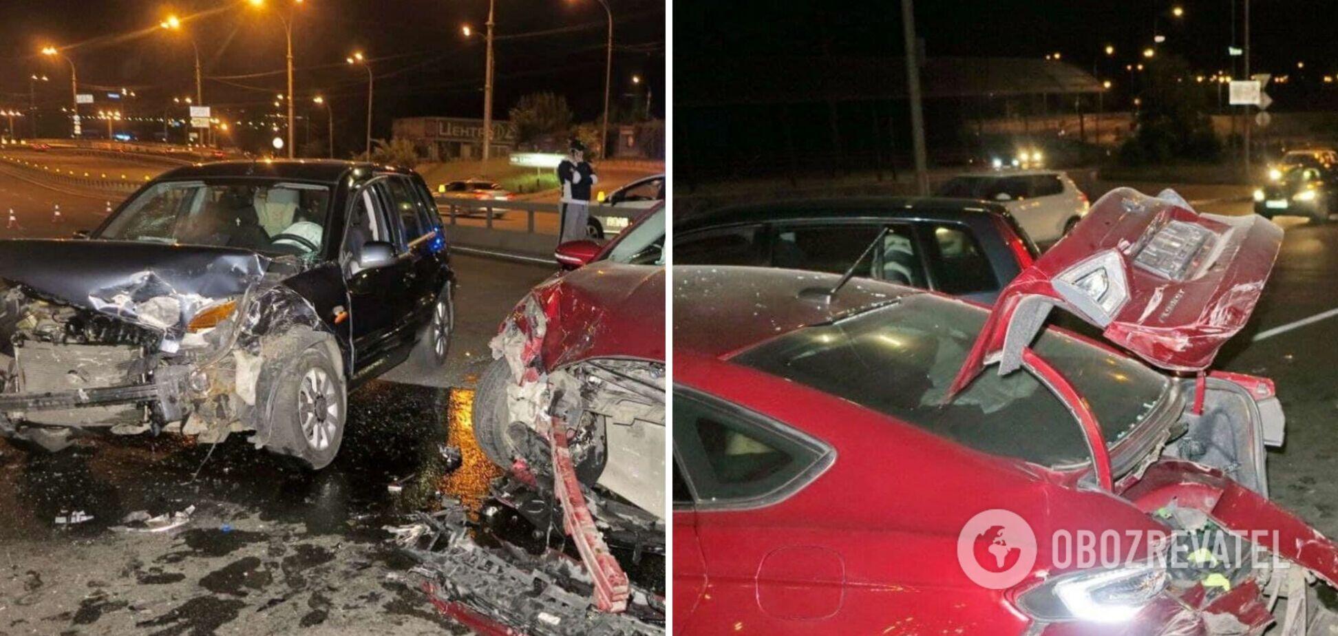 У Києві п'яний водій влаштував лобове зіткнення: важко травмовані двоє людей. Фото