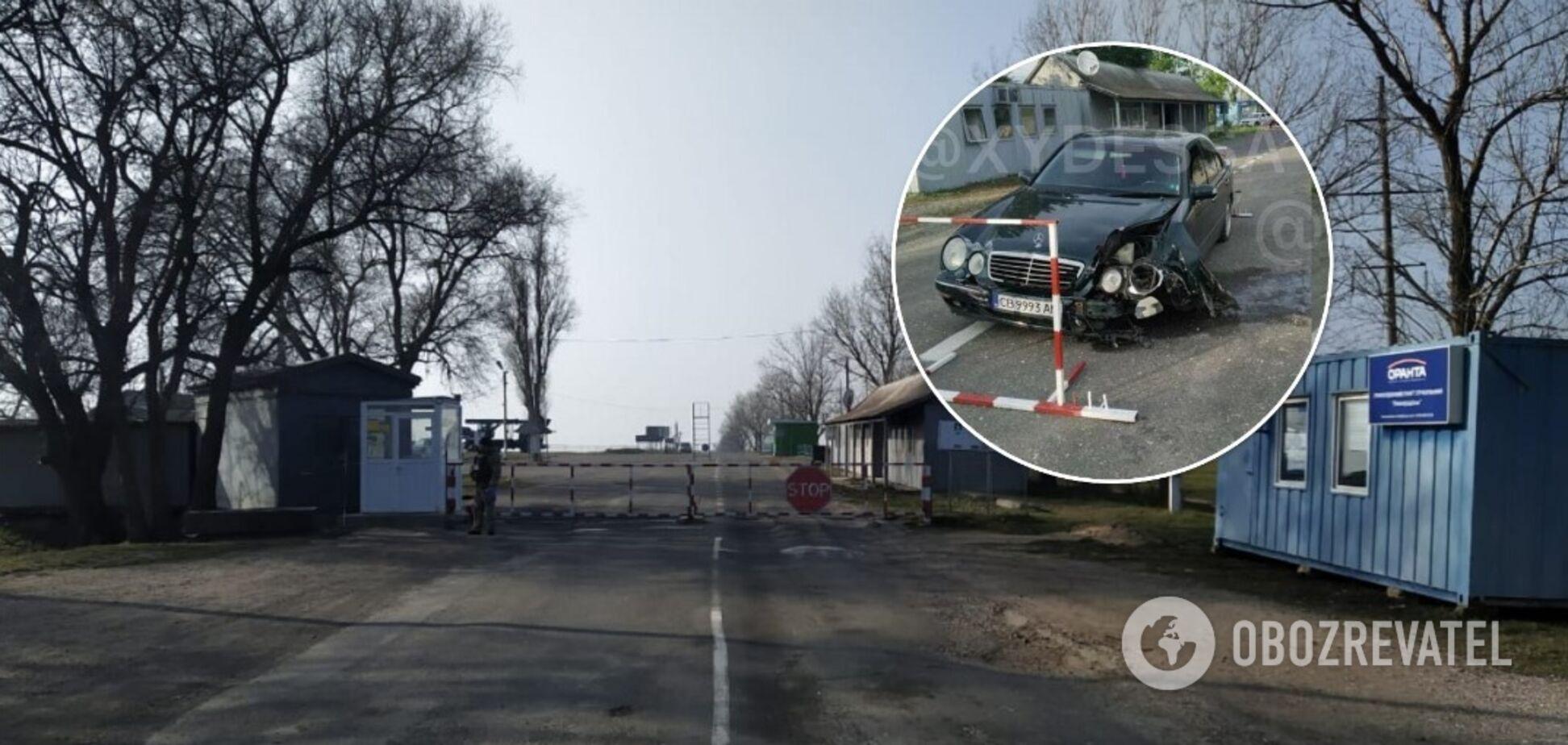 На Одещині п'яний поліцейський в'їхав на авто в шлагбаум прикордонного пункту пропуску
