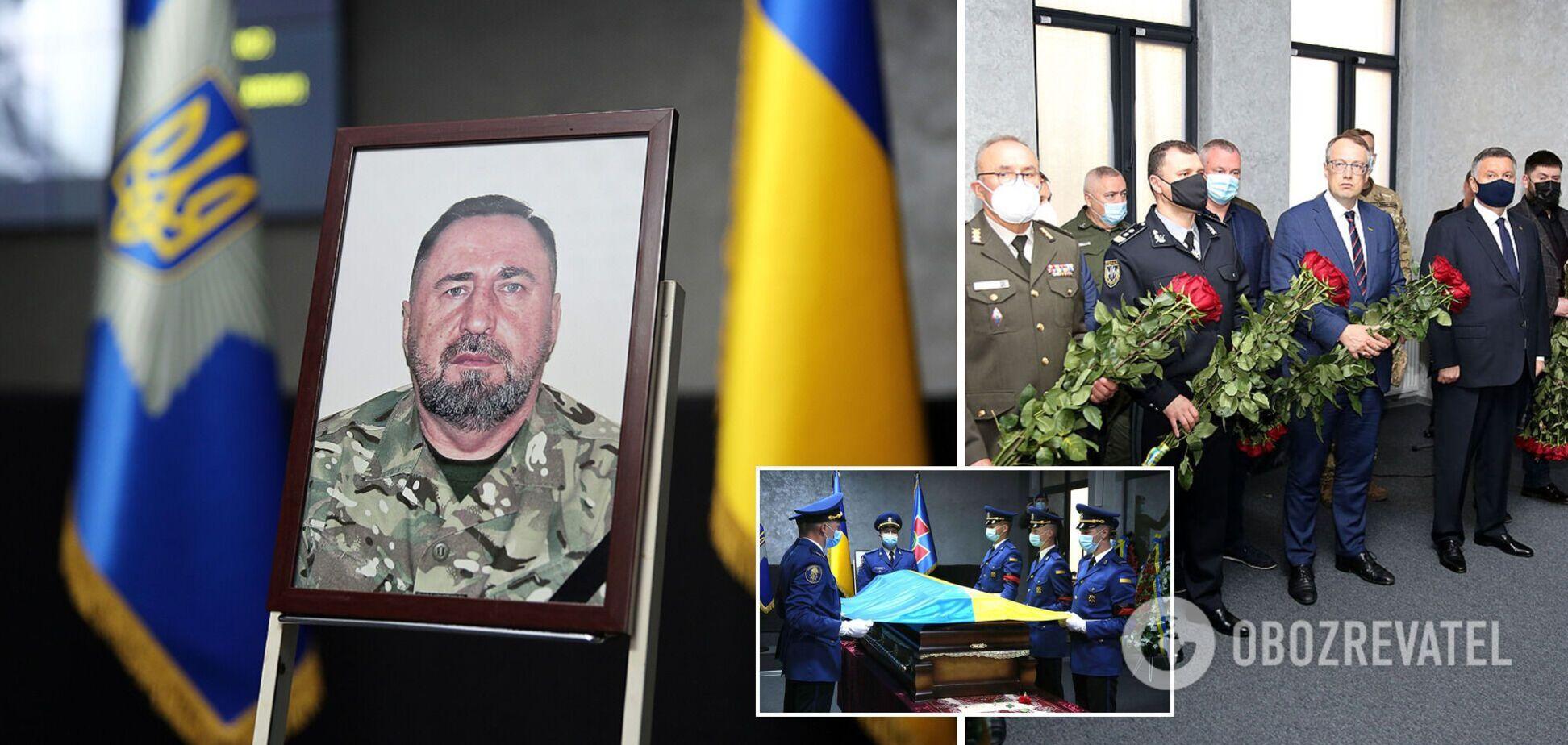 В МВД простились с заместителем командира полка 'Азов' Павлюком. Фото