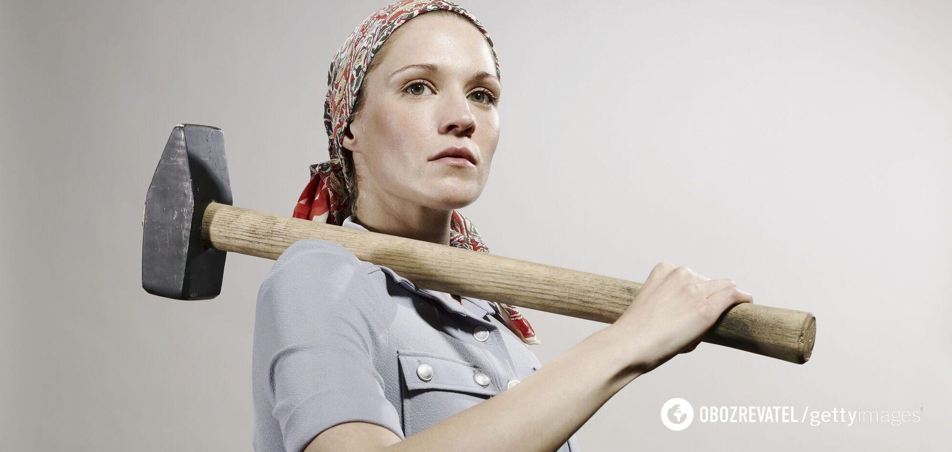 Как женщин заставляли работать и тянуть на себе все хозяйство в СССР