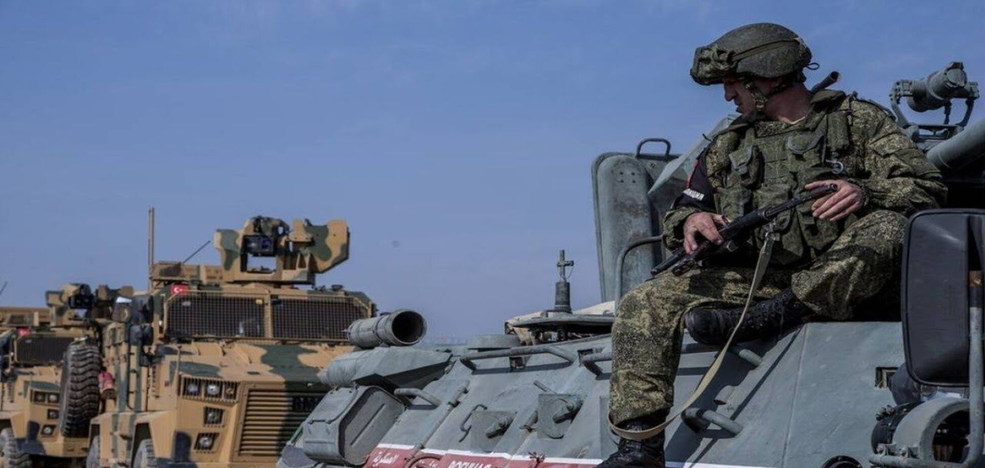В Сирии подорвался бронеавтомобиль с российскими военными: есть погибший и раненые