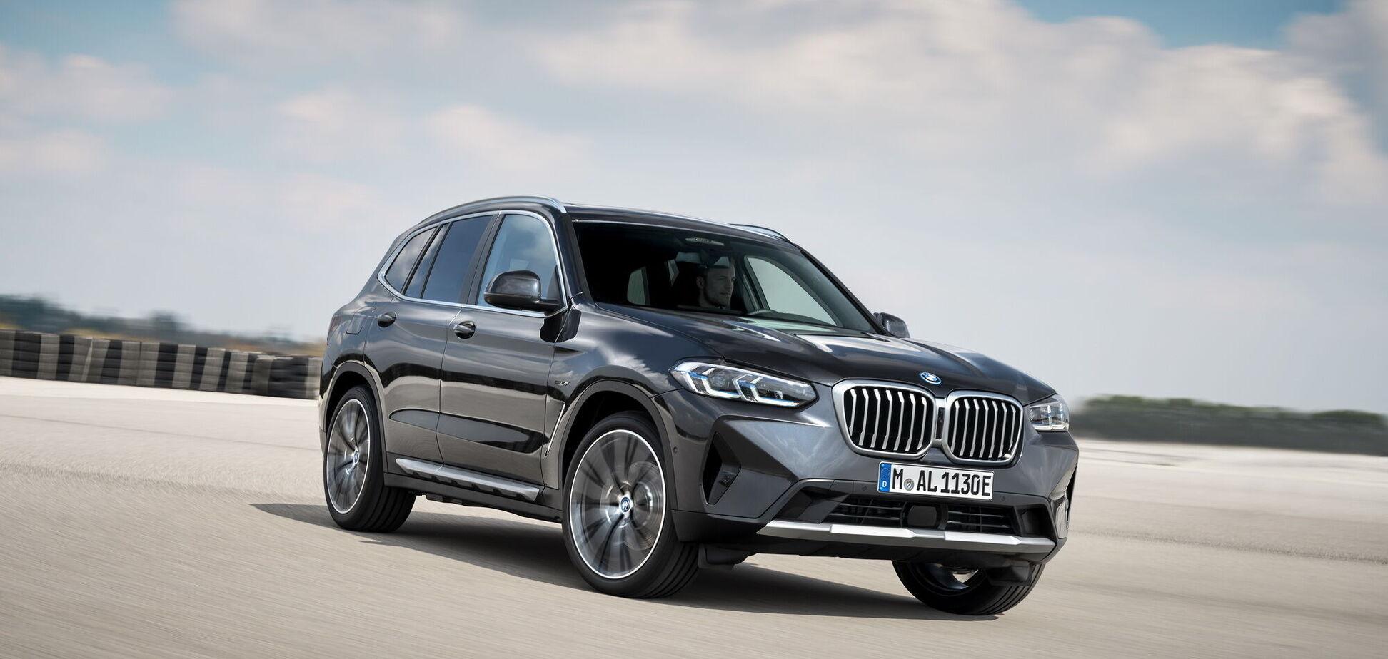BMW обновила кроссоверы X3 и X4
