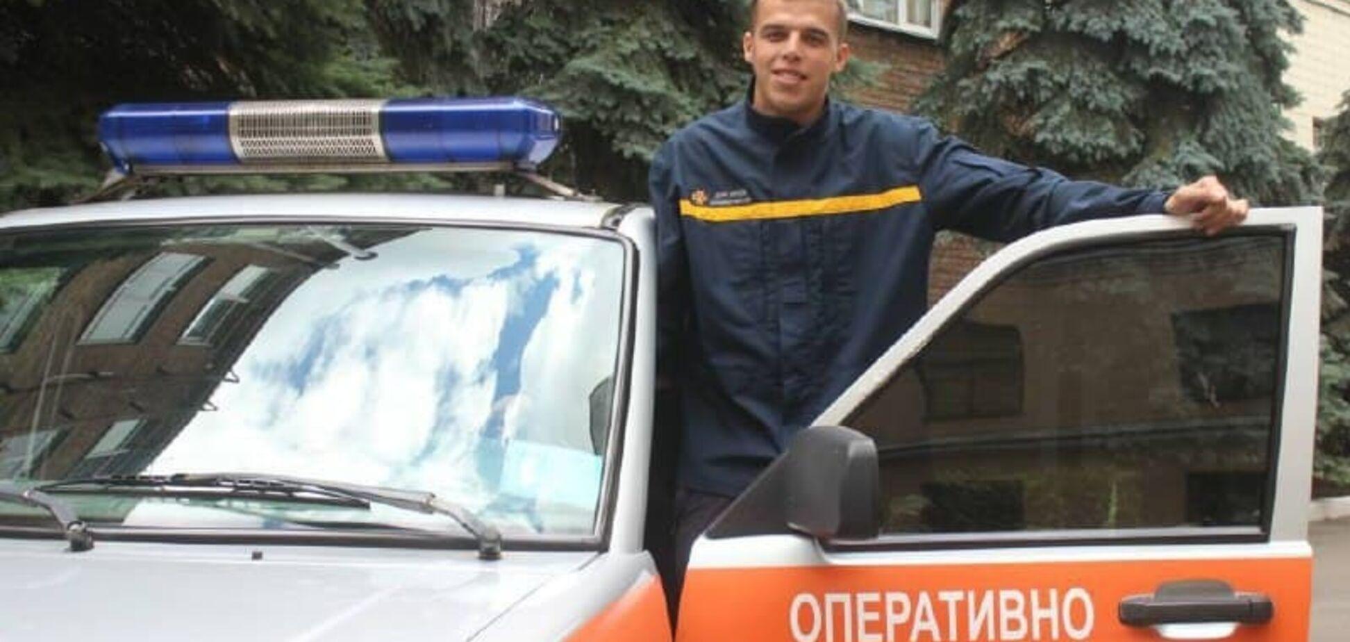 Справжній герой: у Києві рятувальник зупинив чоловіка, який напав на дівчину з ножем