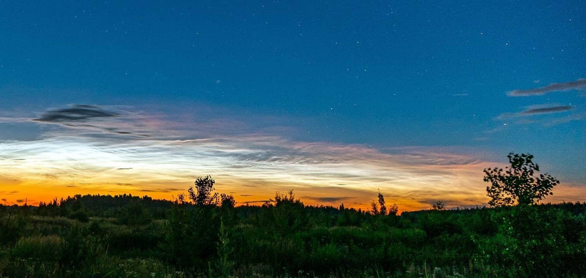 На Київщині помітили сріблясті хмари: синоптики пояснили причину дивовижного явища. Фото