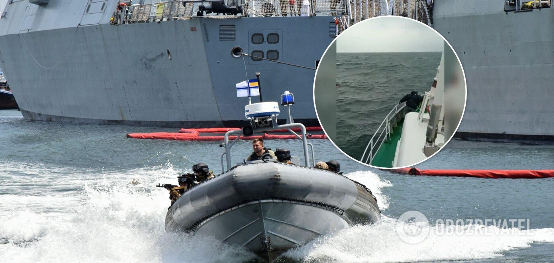 Прикордонники врятували парашутиста, якого віднесло в море під час навчань